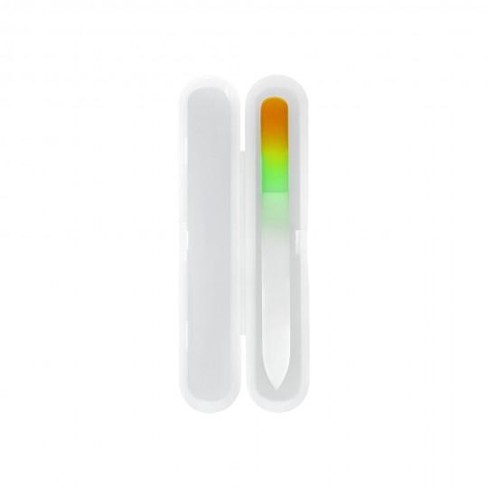 Szklany pilnik do paznokci w plastikowym etui