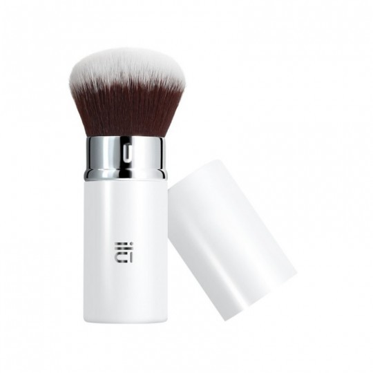 ilū 201 Retractable Kabuki Brush for mineral foundation
